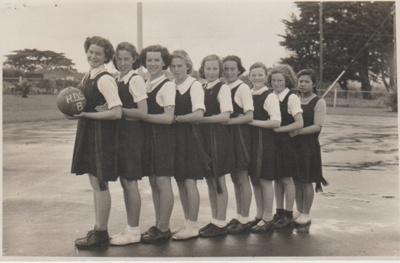 Howick District High School B basketball team; Sloan, Ralph S; 1950; 2019.071.30