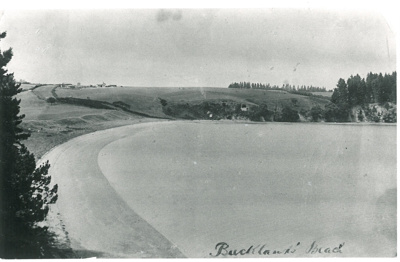 Little Bucklands Beach; Fairfield, Geoff; 2016.606.02