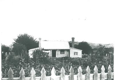 Ambrose Trust's cottage; c1900; 2017.070.09