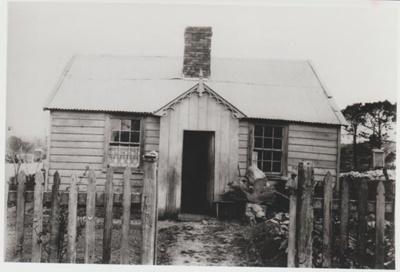 Bill Keenan's house in Picton Street.; 1/09/1970; 2017.609.21
