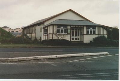 Pakuranga Hall; La Roche, Alan; c2000; 2018.116.42