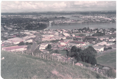 Panmure and the Panmure Basin from Mt Wellington; La Roche, Alan; 29.4.1984; 2016.470.65