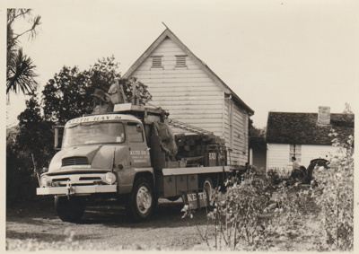 The old Howick Courthouse being moved from Picton Street; La Roche, Alan; 8/04/1969; 2019.093.13