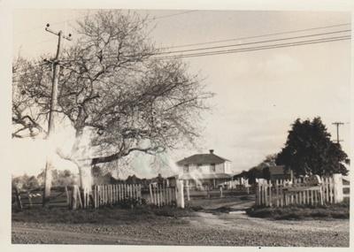 Bell House.; La Roche, Alan; 1969; 2018.059.61