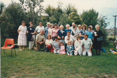 140th Fencible Reunion showing descendants of the settlers who arrived on the 'Inchinnan'.; 25 October 1987; P2021.155.05