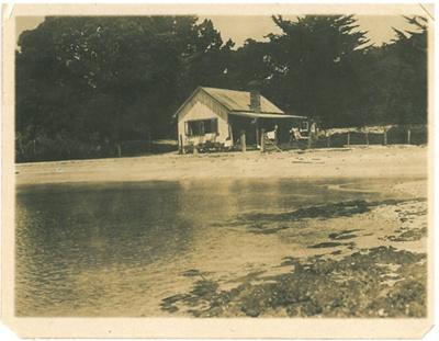 1st house on Maraetai Beach; 1908; 2017.300.51