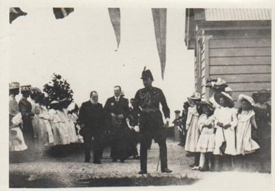 Pakuranga School Vice-regal visit, 1907; Roberts, Gordon; 1907; 2019.010.04