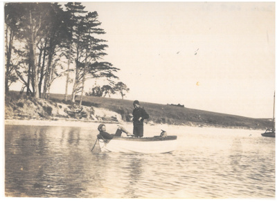 Fishing at Bucklands Beach White family picnic at Bucklands Beach; Fairfield, Geoff; 1919; 2016.624.31