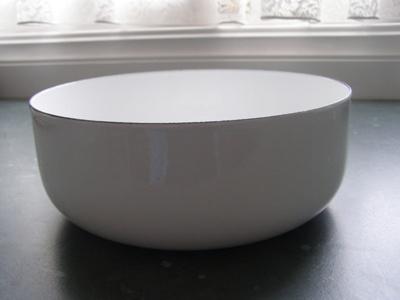 Enamel Bowl; Unknown; 1920-1950; O2015.53