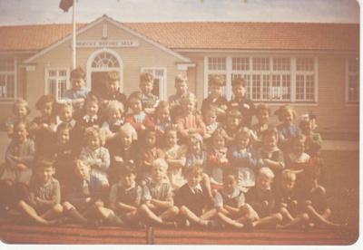 Howick District High School class; 1948-1950; 2019.080.10