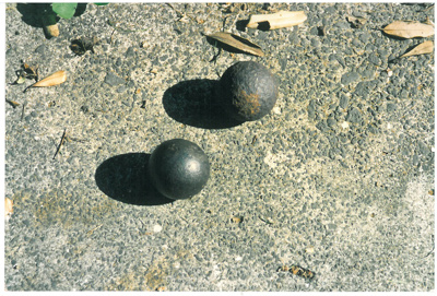 Cannon balls found in the cliff at Musick Point by Geoff Fairfield; Fairfield, Geoff; 1/04/1994; 2017.018.73