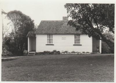 The McDermott Fencible pensioner's cottage; La Roche, Alan; 1/09/1969; 2019.091.30