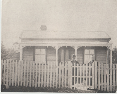 Wagstaff''s cottage at 60 Howe Street.; Rykenberg Photography, Auckland; c2000; 2018.027.06