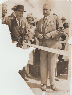 Opening of the concrete road; United Press Pictures, Queen Street; 24/01/1931; 2017.557.70