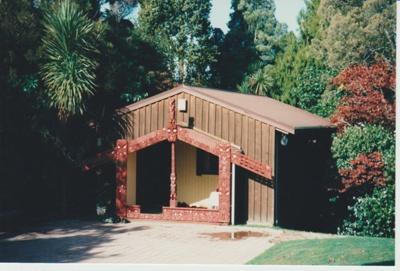 Torere Ngai Tai (Maori Meeting House) in the Garden of Memories.; La Roche, Alan; 29/06/1991; 2019.090.18