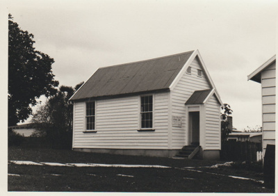 The old Howick Courthouse in the Garden of Memories; La Roche, Alan; 1/09/1969; 2019.093.07