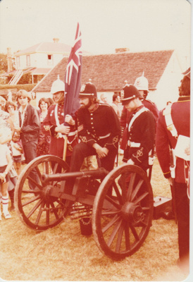 3 guards and the colour sargeant with the cannon; 8/03/1980; 2019.100.64