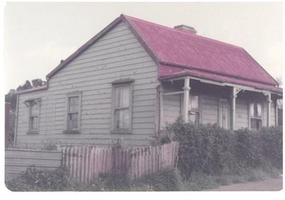 The Wong 1860 cottage, Onehunga; La Roche, Alan; 1/09/1983; 2017.173.66