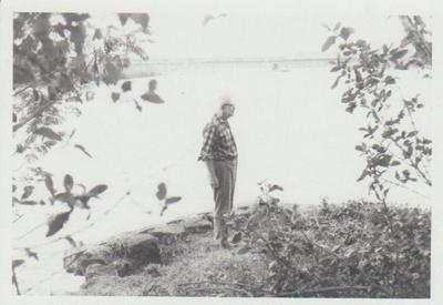 Pakuranga Wharf 1973; La Roche, Alan; 1/04/1973; 2017.339.52