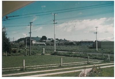 Pakuranga Road near Panmure Bridge; La Roche, Alan; 1950; 2017.235.57