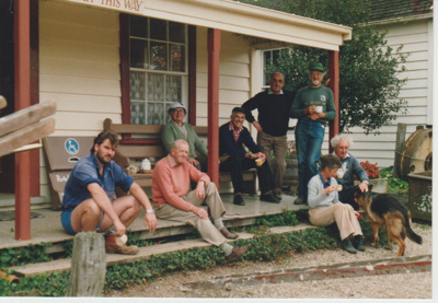 A working bee volunteer group on the steps of Brindle Cottage; 1/06/1989; 2019.129.26