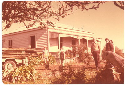 East Pukekohe house before demolition; La Roche, Alan; May 24 1981; 2017.175.69