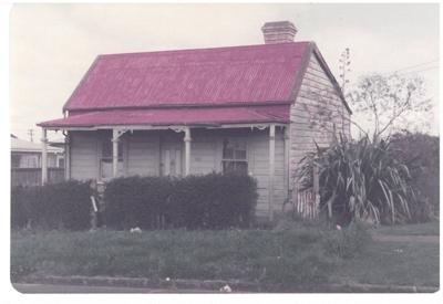 The Wong 1860 cottage, Onehunga; La Roche, Alan; 1/09/1983; 2017.173.65