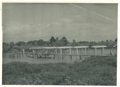 Third Panmure bridge under construction, 1956; 1956; 2017.287.23