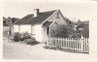 Briody-McDaniel's cottage at the Howick Historical Village.; La Roche, Alan; 1987; P2020.98.03