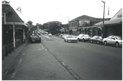 Picton Street, Howick; La Roche, Alan; 1/10/2001; 2016.204.33