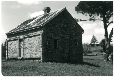 Grangers cottage on the Whitford-Maraetai Road; McCaw, John; 1/03/1991; 2017.103.59