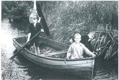Boys in a dinghy in the creek at Eastern Beach; Anderson, C; 1940s; 2017.056.19