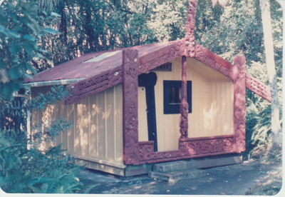 Torere Ngai Tai (Maori Meeting House) in the Garden of Memories.; La Roche, Alan; 1/05/1986; 2019.090.15