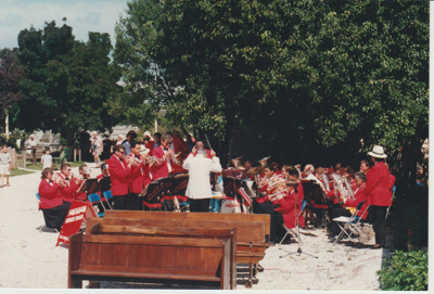 The Howick Locksmith Band performing at the opening of Whites Homestead.; 16/03/1997; 2019.107.02