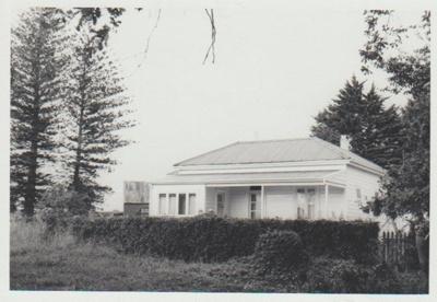 Homestead, Cryers Road; La Roche, Alan; 1/04/1973; 2018.164.83