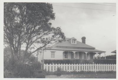 Woodcote, the Macmillan homestead.; La Roche, Alan; 1970; 2017.606.18