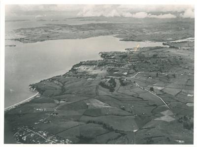 Aerial view of Howick, 1944; Jones, J F; 1944; 2016.162.103