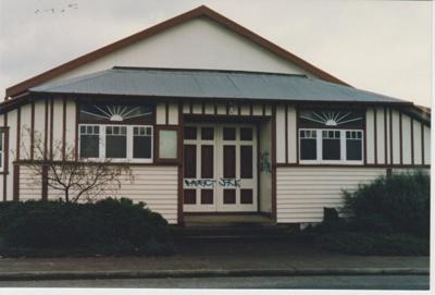 Pakuranga Hall; La Roche, Alan; c2000; 2018.116.41