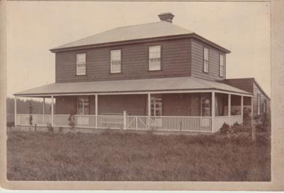 Bell House.; Zealandia Photo Company; 1898; 2018.050.09
