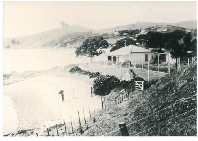 Three Cottages at Maraetai Beach 1935; Grindrod, Albert; 29/01/1935; 2017.301.54