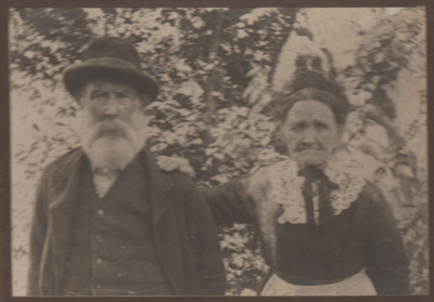 Alexander and Esther Shaw; 1908; 2018.414.03