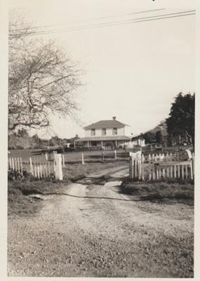 Bell House.; La Roche, Alan; 1969; 2018.059.62