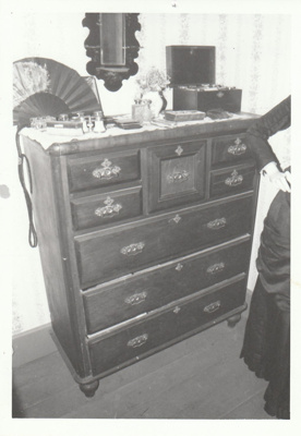 A Scotch chest in Sergeant Barry's cottage in Howick Historical Village. ; La Roche, Alan; January 2003; P2020.142.01