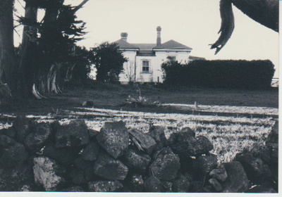 East Tamaki Schoolhouse in Smales Road; La Roche, Alan; 1/07/1991; 2019.046.01
