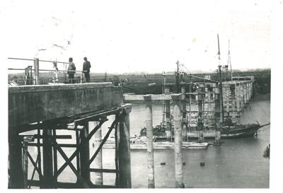 2nd Panmure Bridge demolition; 1915; 2017.279.19