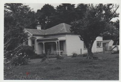 Keith Hattaway's homestead on Botany Road.; La Roche, Alan; 1970; 2018.011.99