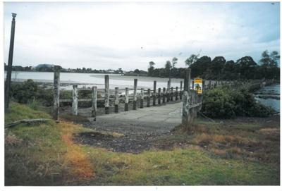 A dam on Otara Creek by the Tamaki River; La Roche, Alan; 2000; 2017.177.76