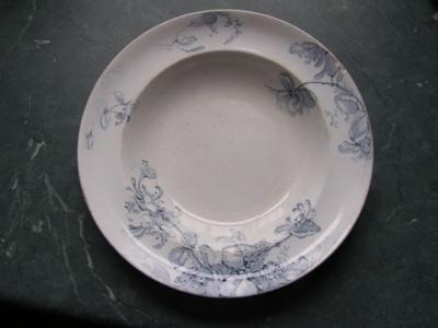 Plate; Grimwald Staffordshire; 1910-1920; O2015.43