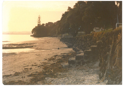 Howick Beach at low tide c1999; La Roche, Alan; c1999; 2016.549.56