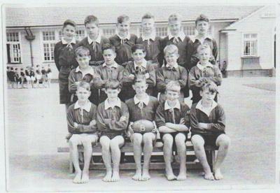 Howick District High School Rugby Football B team.; Sloan, Ralph S; 1949; 2019.072.20